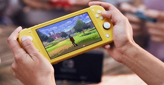 Nintendo Switch Lite Heats Up Winter Road Trip